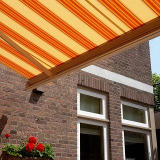 zonnescherm knikarmscherm zonwering Veenendaal