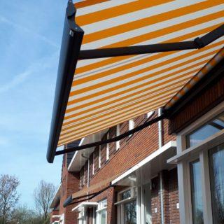 terrasschermen knikarmschermen zonwering Rhenen Veenendaal Wageningen Ede