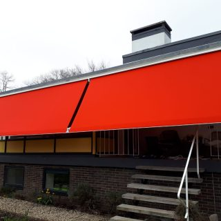 Maxi Neos uitvalschermen grote zonneschermen zonwering Renkum