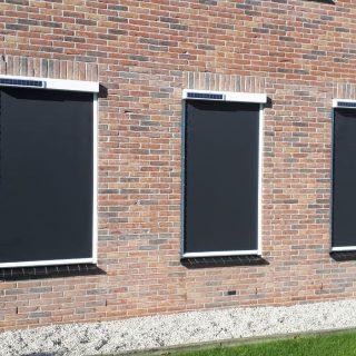 Screens op zonne-energie solarscreens Lunteren zonnepaneel zonnepanelen zonnecel duurzame screen Frema zonwering Rhenen Veenendaal Ede Wageningen Utrecht Gelderland Betuwe e.o.