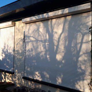 Solar rolluiken op zonne energie Driebergen wit solaarrolluik Frema zonwering Rhenen Veenendaal Ede Wageningen Utrecht Gelderland Betuwe eo (3)