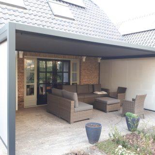 aluminium veranda's verandazonwering veranda's en buitenleven Cubola zonweringsysteem met screens in Veenendaal zonwering zonnescherm veranda