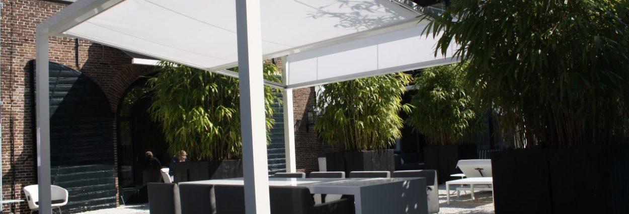 Terrasoverkapping met zonweringdoek / Cubola