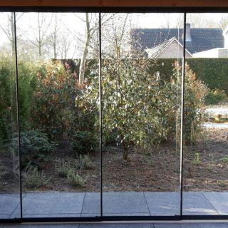 glasschuifwandsysteem douglas veranda houten terrasoverkapping overkapping glazen deuren