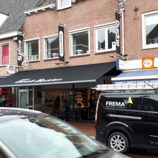 knikarmscherm zonwering reclame bedrijven Rhenen Veenendaal Ede Wageningen