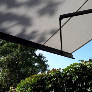 knikarmschermen zonneschermen zonwering Rhenen Veenendaal Ede Wageningen