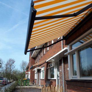 rerrasschermen knikarmscherm buitenzonwering zonwering buiten Frema Rhenen Veenendaal Ede Wageningen Utrecht e.o.