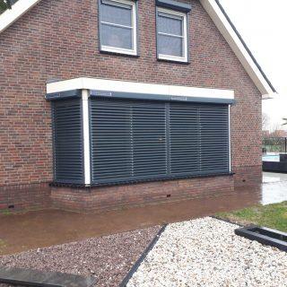 rolluiken met kantelbare lamellen grijs antraciet solar rolluik zonne energie Frema zonwering Rhenen Veenendaal Ede Wageningen Utrecht Gelderland Betuwe e.o (1)