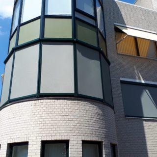 screens geplaatst Veenendaal zonwering erker appartment