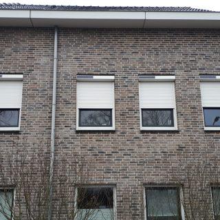 solar rolluiken wit rolluiken appartement Nijmegen op zonne energie rolluik Frema zonwering Rhenen Veenendaal Ede Wageningen Utrecht Gelderland Betuwe e.o.