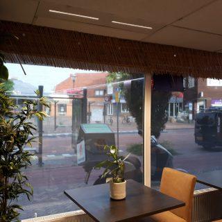 zonwering bedrijven screen zonneschermen Toko Veenendaal winkel restaurant bedrijf Frema zonwering regio Rhenen Veenendaal Ede Wageningen Utrecht Gelderland Betuwe e.o.