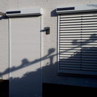 zonwering op zonne-energie rolluiken met kantelbare lamellen solarrolluiken zonne-energie duurzame zonwering Frema zonwering Rhenen Ede Wageningen Veenendaal Utrecht Gelderland e.o.